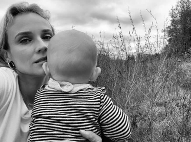 Diane Kruger nous a montré le dos de sa fille.