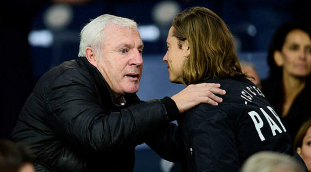 Luis Fernandez salue Pierre Sarkozy, grand fan du PSG