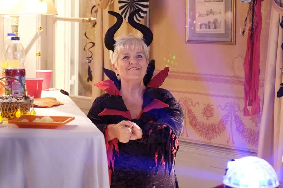 Nouveau look ce lundi soir pour Mimie Mathy dans Joséphine, ange gardien : elle devient...une diablesse