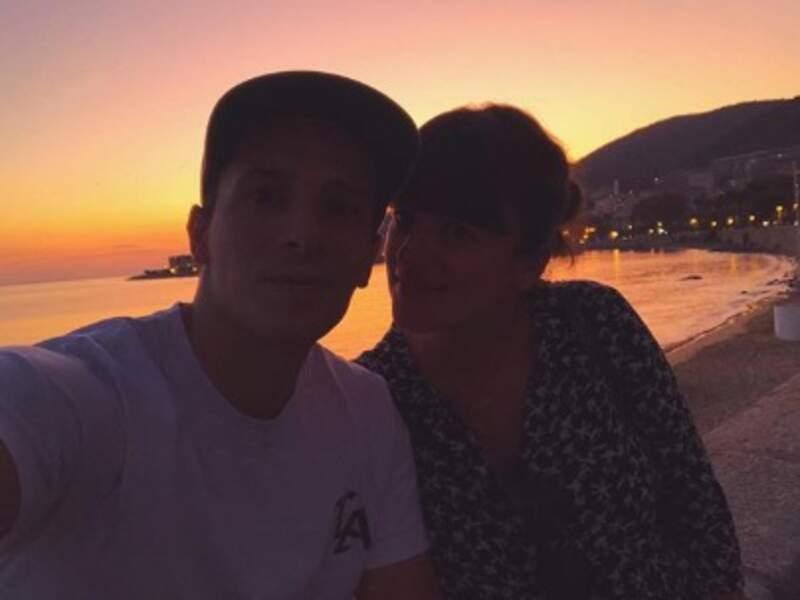 Les amoureux Grégoire Lyonnet et Alizée ont fait un selfie à Ajaccio.