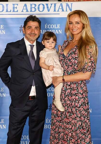 Voici Nina, la fille d'Adriana Karembeu et de son mari Aram Ohanian