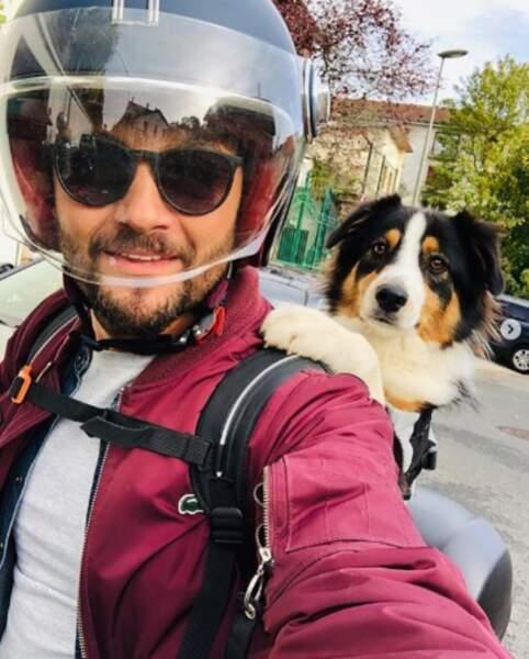 Madame, le chien de Christophe Beaugrand, a fait un petit tour en scooter.