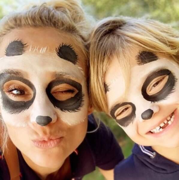 Et que vous aimez les pandas car en voilà deux pour le prix d'un : Elodie Gossuin et son petit Léonard.