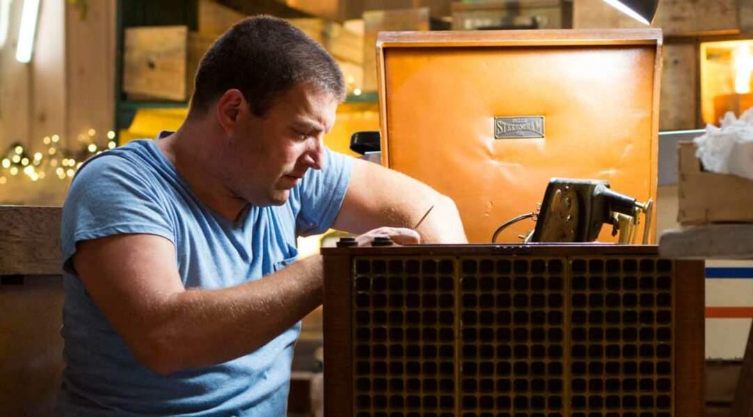 Christophe est l'informaticien et surtout l'homme passionné d'électronique de L'Atelier.