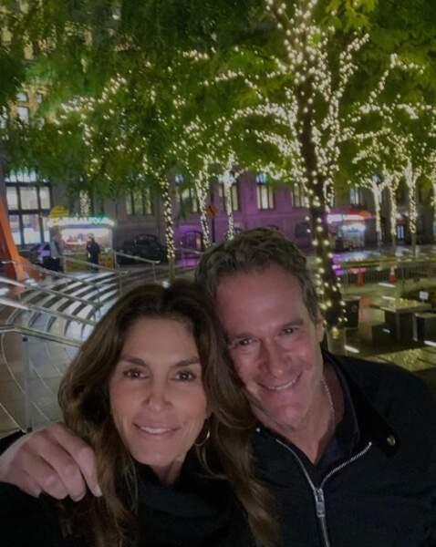 Selfie en amoureux pour Cindy Crawford et Rande Gerber.
