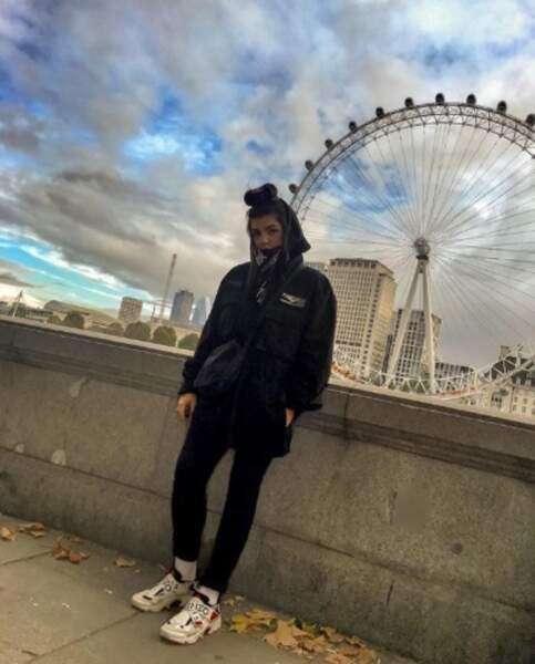 Hoshi a fait la touriste à Londres.
