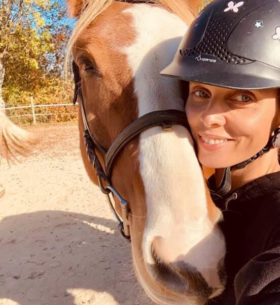 Selfie équestre pour Sylvie Tellier.