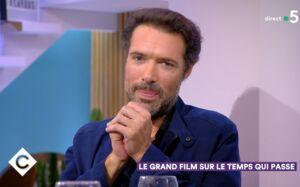 Nicolas Bedos n'est plus en couple avec Doria Tillier, il officialise sa rupture dans C à vous (VIDEO)