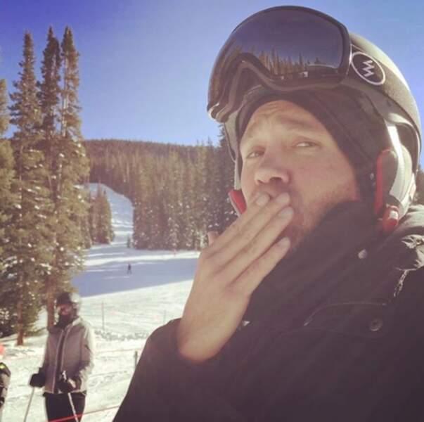 C'est également un amateur de sports de glisse à la montagne