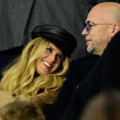 PSG/Bruges : le bisou langoureux de Pascal Obispo et sa femme, le fils de Franck Dubosc concentré, Ines Vandamme amoureuse… Les personnalités nombreuses au Parc des Princes (PHOTOS)