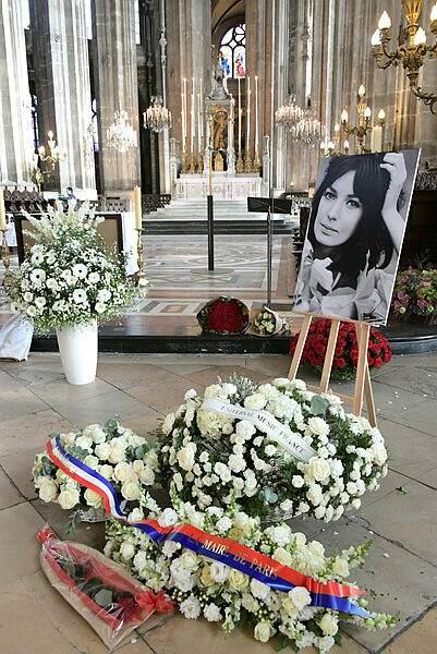 Ce jeudi 7 novembre avaient lieu les obsèques de Marie Laforêt à Paris.