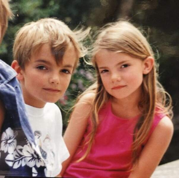Ça c'est la chanteuse Claire Laffut et son jumeau Coco.
