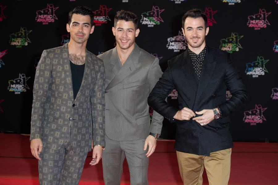 Les Jonas Brothers, qui ont reçu un NRJ Music Award d'honneur en début de cérémonie.