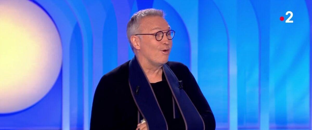 On n'est pas couché : pourquoi Laurent Ruquier a-t-il le bras dans le plâtre ? (VIDEO)