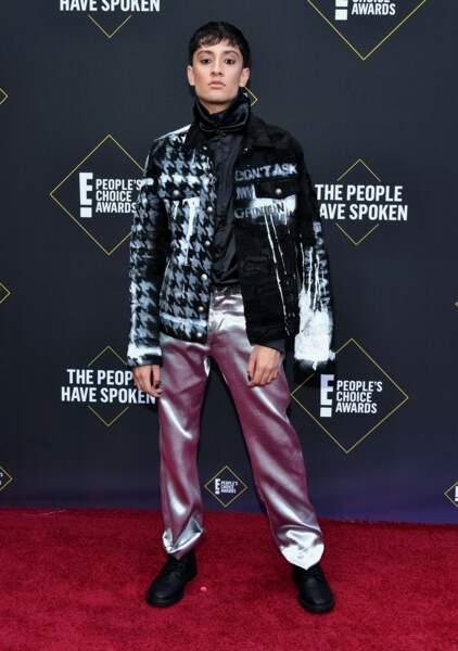 L'influenceur français Sparkdise sur le tapis des E! People's Choice Awards à Los Angeles le 10 novembre 2019