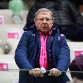 Stade Français : le départ d'Heyneke Meyer, les mauvais résultats, son avenir... le propriétaire Hans-Peter Wild met les points sur les i !