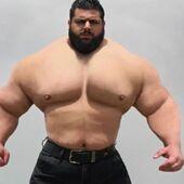 """Le """"Hulk iranien"""" se lance dans le combat à mains nues : son probable adversaire est encore plus effrayant que lui ! (PHOTOS)"""