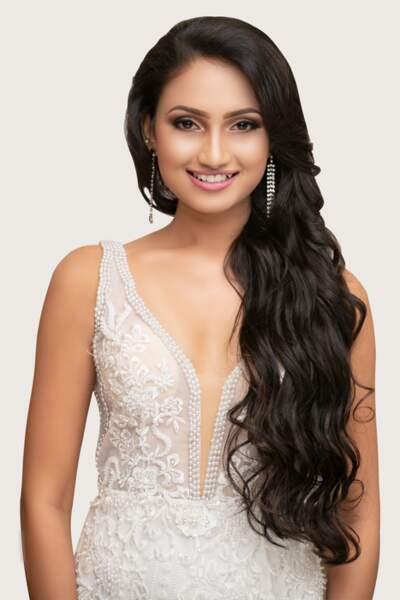 Miss Sri Lanka : Dewmimi Welikande