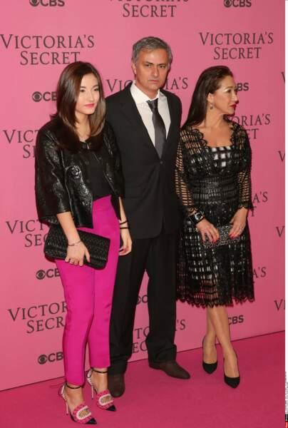 Ici avec son père, José Mourinho et sa mère Matilde Faria