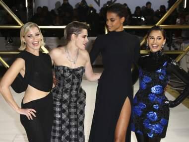 Kristen Stewart en robe bustier, Ella Balinska dos nu à l'avant-première londonienne de Charlie's Angels