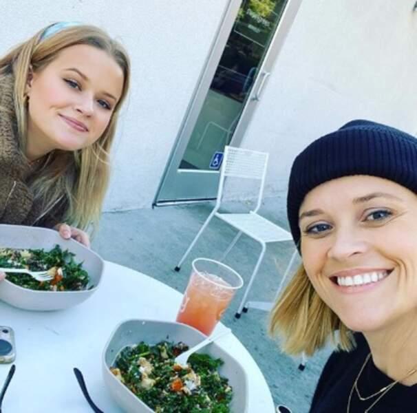 Reese Witherspoon et sa fille se ressemblent vraiment comme deux gouttes d'eau.