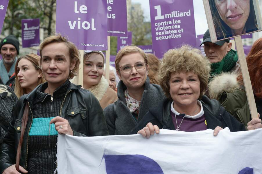 Sandrine Bonnaire, la députée France Insoumise Clémentine Autain et la chanteuse Sabine Paturel
