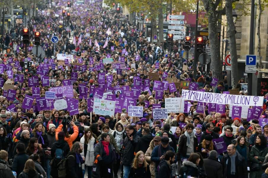 Des dizaines de milliers de femmes ont défilé à Paris
