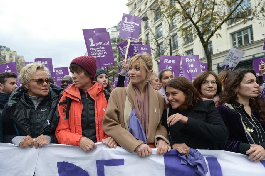 Muriel Robin, sa compagne Anne Le Nen, Julie Gayet et Emma de Caunes