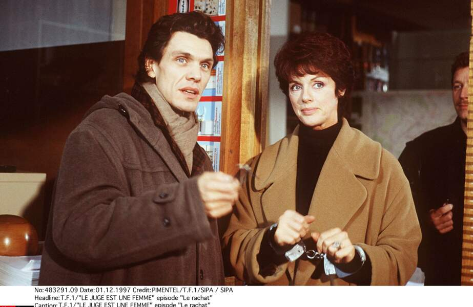 II apparaît en 1997 dans la série TV Le Juge est une femme