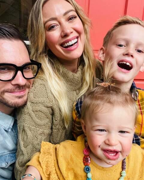 Hilary Duff tout sourire !