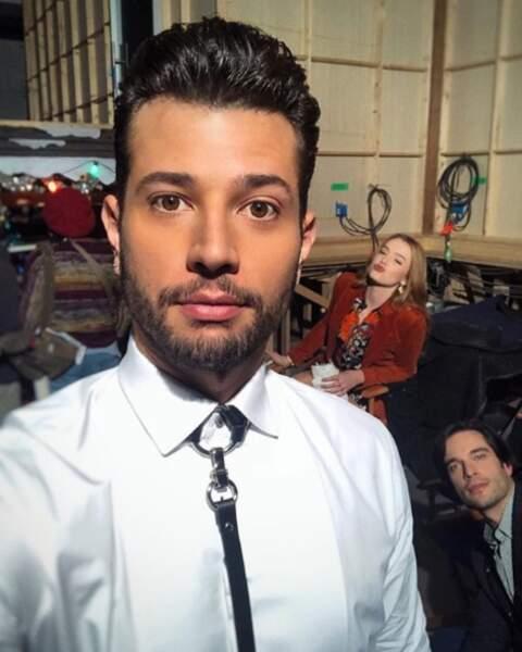 Moment selfie pour les acteurs de Dynastie