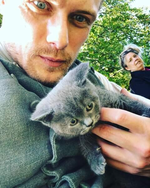 Sam Heughan (Outlander) ne quitte pas son chat