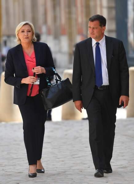En France, c'est Louis Aliot qui confirme à son tour sa séparation d'avec Marine Le Pen après dix ans de vie commune