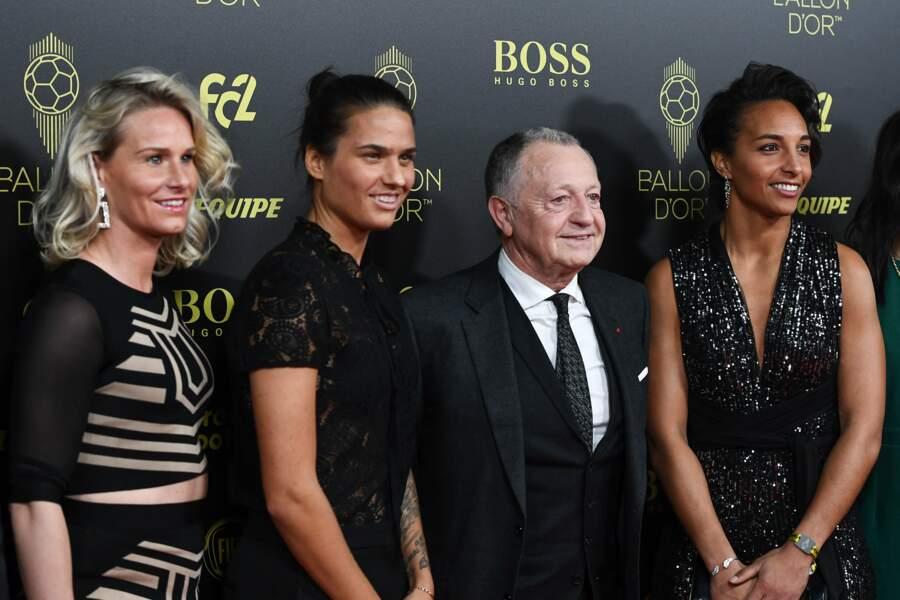 Tout comme les joueuses de Lyon accompagnées de leur Président, Jean-Michel Aulas