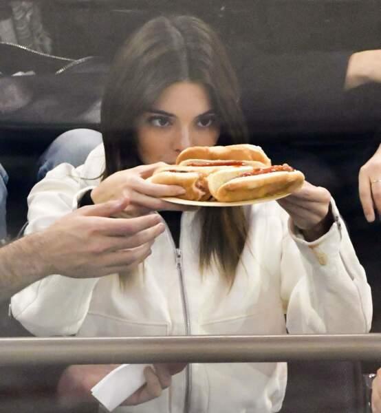 Kendall Jenner révèle sa dernière astuce minceur... peser ses sandwichs