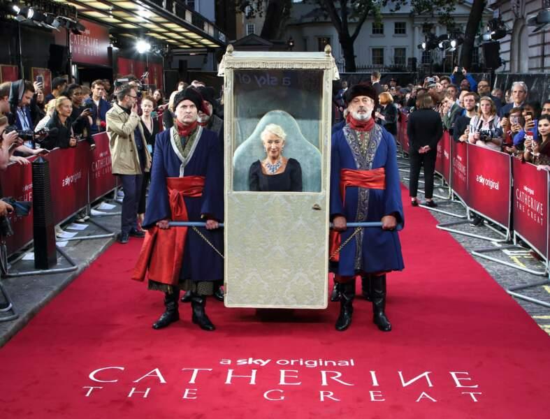 Helen Mirren tout à fait royale à la première de la série Catherine the Great