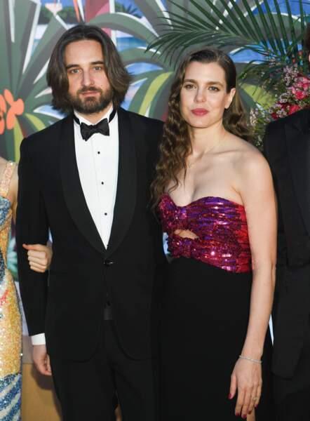 Charlotte Casiraghi s'est mariée civilement avec le producteur Dimitri Rassam, fils de Carole Bouquet, le 1er juin à Monaco. La cérémonie religieuse aura lieu à la fin de ce mois en Provence