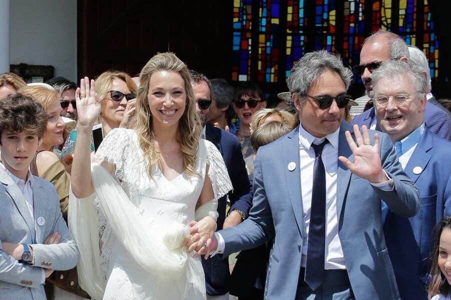 Laura Smet et Raphael Lancrey-Javal se sont mariés religieusement le 15 juin au Cap Ferret. Mais le mariage civil datait du 1er decembre 2018