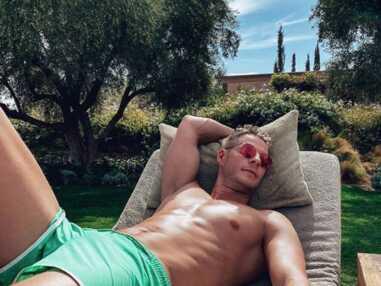 Matthieu Delormeau : abdos, TPMP, stars... Le meilleur de son compte Instagram