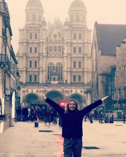 Une touriste enthousiaste