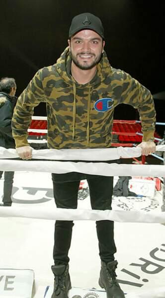 Le petit frère de Kev Adams a d'ailleurs pu monter sur le ring après le combat. Pour son plus grand plaisir !