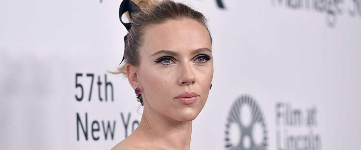 Scarlett Johansson : son baiser fougueux à la télévision américaine avec son compagnon Colin Jost