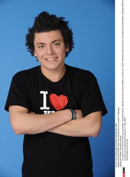 Le grand public en 2009 grâce à son spectacle The young man show.