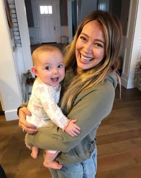 Hilary Duff adore d'ailleurs jouer à la super tata !