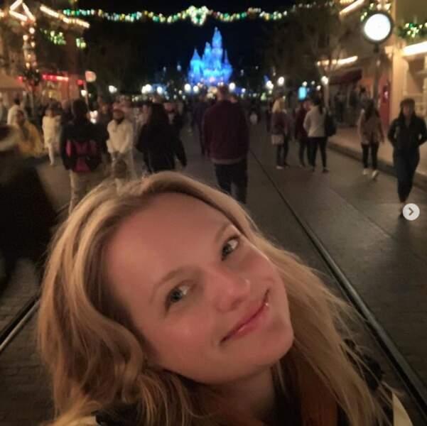 Elisabeth Moss est allée au pays de Mickey.