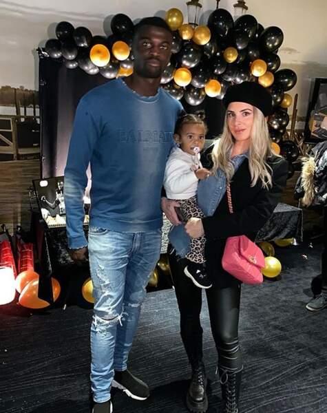 Emilie Fiorelli, M'Baye Niang et leur fille pour les 25 ans du joueur de foot