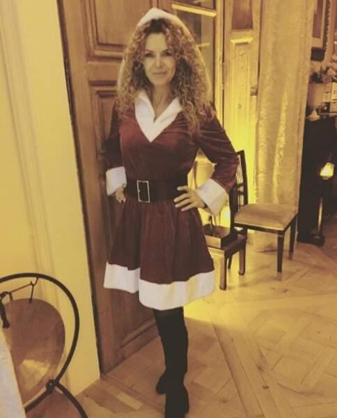 On a un scoop pour vous : cette année, c'est Manuela Lopes qui fait la Mère Noël.