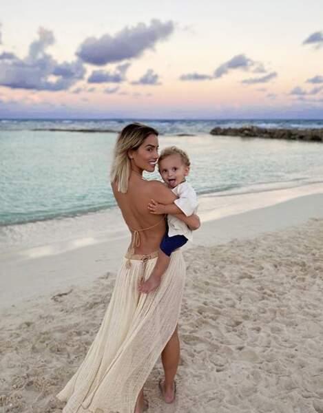 C'est l'amour à la plage pour Manon et son fils Tiago
