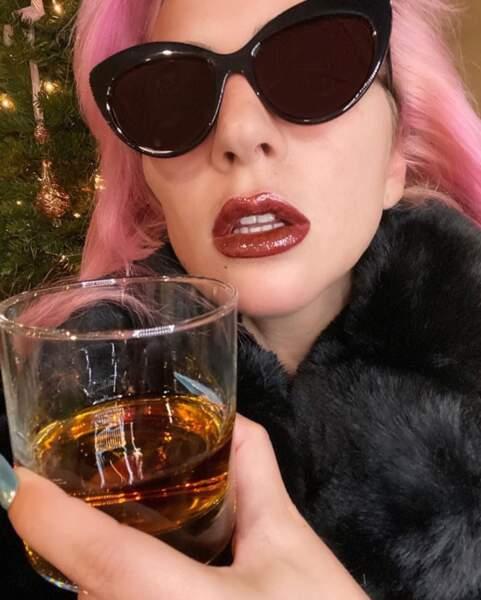 Lady Gaga est passée au rose. Vous aimez ?