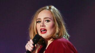 Adele : aussi glamour que méconnaissable pour Noël ! (PHOTOS)